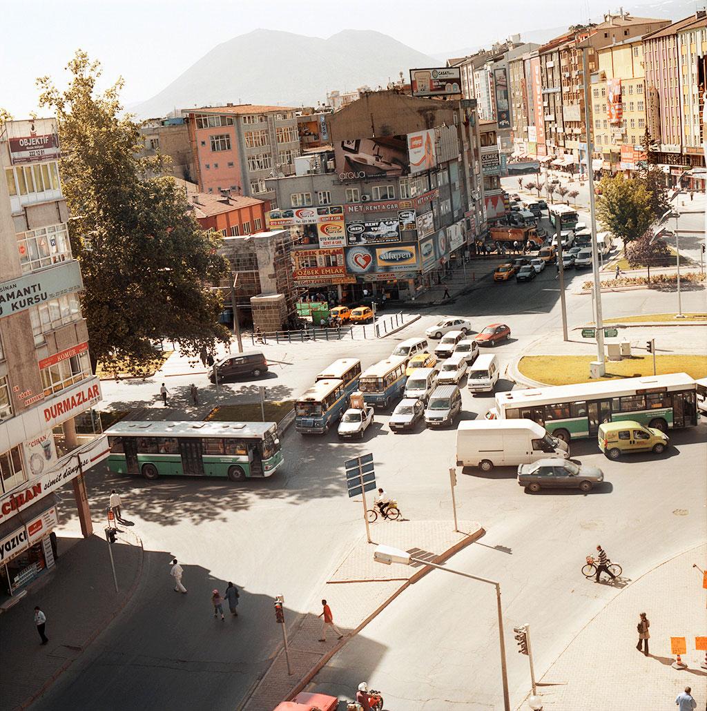 34-Kayseri,-Düvenönü-Meydani-2009-copy2