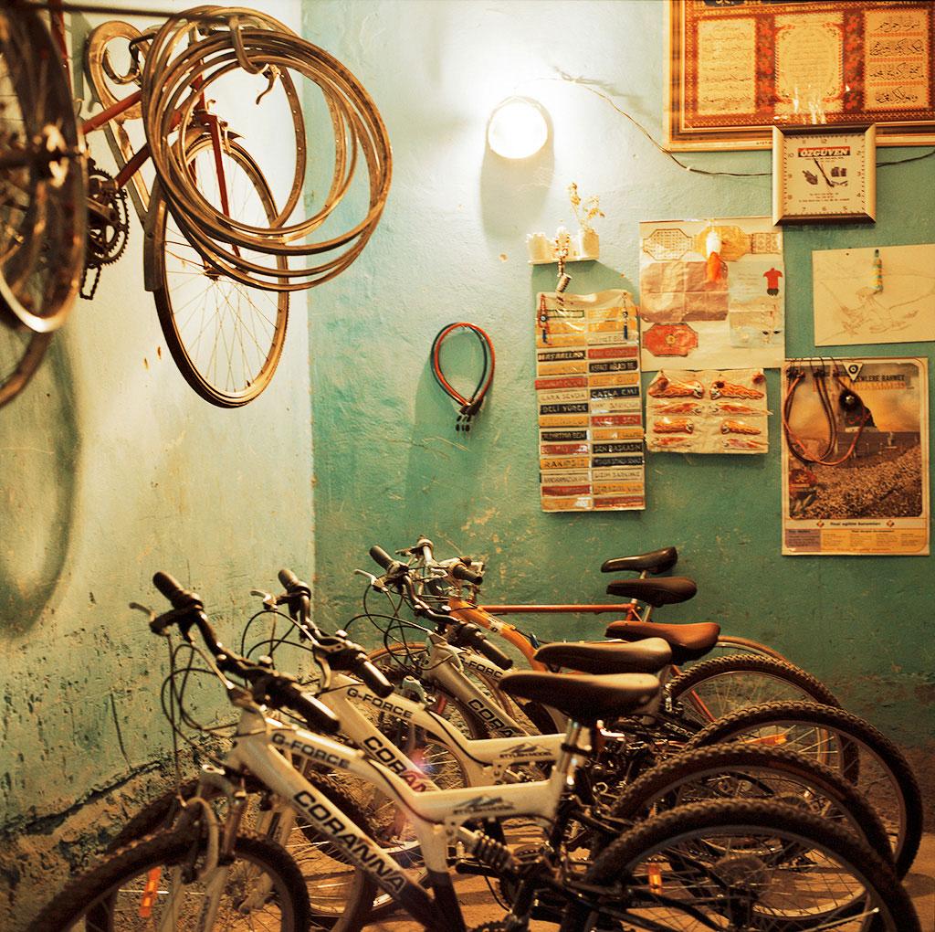 37-Diyarbakir,-marchand-de-vélos-dans-Suriçi-2010-copy2